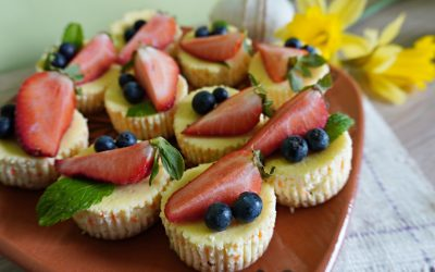 Fit serniczki z owocami